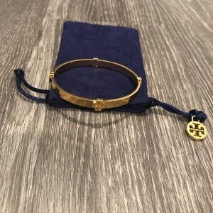✨HP✨Tory Burch Signature gold bangle bracelet